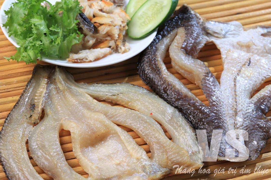 DRIED SNAKEHEAD